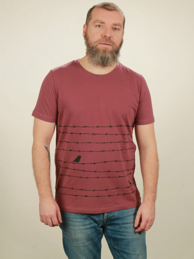 Herren-T-Shirt Barbwire - berry - NATIVE SOULS