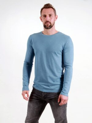Basic Longsleeve Man light blue